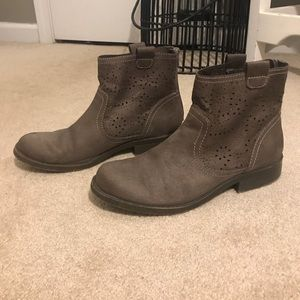 Shoes - Grey ankle booties
